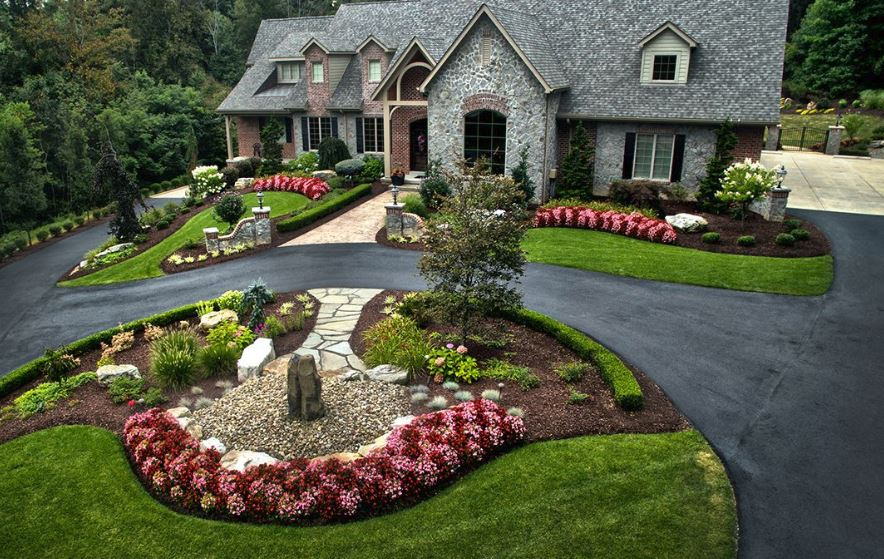 How to Design Driveway Landscaping